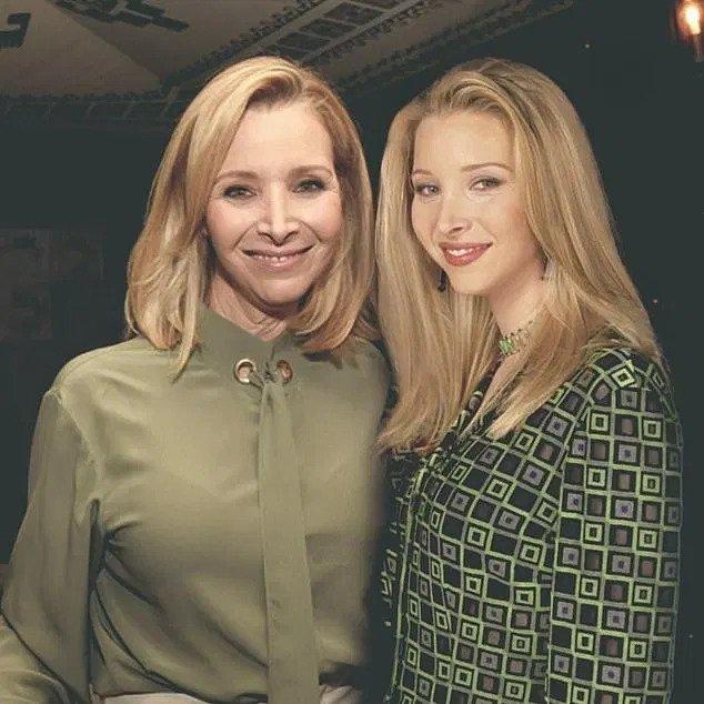 Lisa Kudrow and Phoebe Buffay